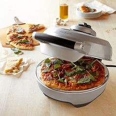 Breville Crispy Crust Pizza Maker  http://rstyle.me/n/dyh8wpdpe