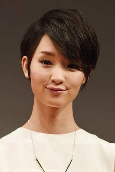Ayame Goriki Emo Bangs - Ayame Goriki looked super cool with her textured emo bangs at the 'Love, Rosie' Tokyo premiere.