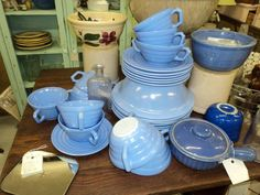 Vintage Dinnerware | Vintage Blue Dishes | Display