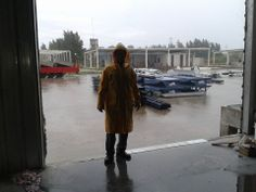 Terminando el trabajo a pesar de la lluvia
