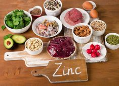 Zinc is an important mineral for the body, and a Zinc deficiency can result in hair loss and diarrhea. Check 26 foods high in zinc for overall good health. Foods High In Zinc, Zinc Rich Foods, Foods High In Iron, Zinc Benefits, Health Benefits, Zinc Supplements, Health Foods