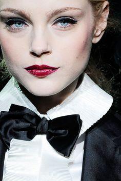Jessica Stam - Dolce and Gabbana Fall 2009
