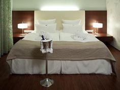 die besten 25 hotel bad zwischenahn ideen auf pinterest container home designs coole hotels. Black Bedroom Furniture Sets. Home Design Ideas
