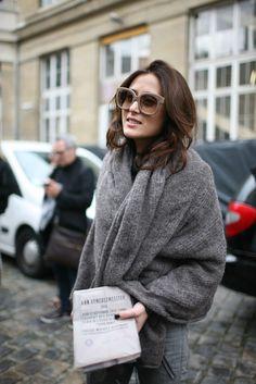 Paris Fashion Week - Outside the Paris shows - Photo by Kuba Dabrowski Look Fashion, Fashion News, Womens Fashion, Fashion Design, Fall Fashion, Review Fashion, Petite Fashion, Fashion Shoot, Curvy Fashion