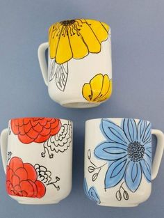 Customize Coffee Mugs With Hand-Drawn Flowers Coffee Cup Crafts. - Customize Coffee Mugs With Hand-Drawn Flowers Coffee Cup Crafts – How to Decorat - Hand Painted Mugs, Hand Painted Ceramics, Painted Coffee Mugs, Hand Painted Pottery, Painted Cups, Sharpie Coffee Mugs, Cute Coffee Mugs, Cute Mugs, Painted Rocks