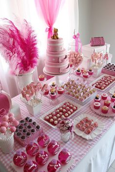 Fabiana Moura - Customized Projects: Luisa-s fabulous adventure Candy Theme Birthday Party, Dessert Table Birthday, Barbie Birthday Party, Birthday Party For Teens, Barbie Party, Sweet 16 Birthday, 16th Birthday, Pink Dessert Tables, Pink Desserts