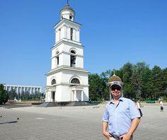 Stadtrundgang in Chisinau #taipantouristik #moldau #moldova #moldawien #sightseeing #rundreise #chisinau #immereinereisewert #reisen #wanderlust #vacation Wanderlust, Tower, Instagram, Moldova, Round Trip, City, Viajes, Rook, Computer Case