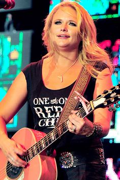 Country Music's Blonde Bombshells: Miranda Lambert {in a junk gypsy tee}
