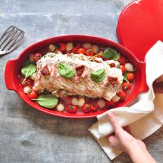 Fish, white meat or vegetable; make healthy, tasty and low fat-fat meals with the Emile Henry Papillote dish.