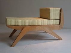 Charlotte Perriand Tokyo saló Simon France Steph chair Galerie, 1954oak, upholstery18.75 ample x 30,5 dx 20 h inches