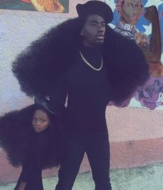 Benny Harlem and his daughter Jaxyn have 'broken the internet' with photos of their long lustrous afro hair. Benny is an artiste from New York City who loves to… My Black Is Beautiful, Beautiful People, Gorgeous Hair, Benny Harlem, Black Girl Magic, Black Girls, Black Power, Curly Hair Styles, Natural Hair Styles