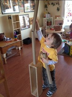 "Building with blocks & cardboard tubes ("",)"