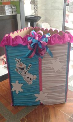 Caja para regalos frozen! Ana Frozen, Frozen Princess, Disney Frozen, Frozen Birthday Party, Frozen Party, Birthday Parties, Moist Vanilla Cake, High Chair Banner, Ideas Para Fiestas