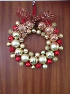Baubles and Bows, Celebration Wreath
