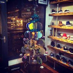 Skateboard christmas tree ... Gamer Bedroom, Family Christmas, Christmas Trees, Skateboard Design, Shop Window Displays, Some Ideas, New Shop, Skateboards, Retail Design