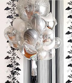 Ломаете голову над запоминающимся подарком? Букет из воздушных шариков станет отличной, а главное необычной альтернативой цветочному презенту #шары #шарымосква #шарыназаказ #шарынапраздник #шарынафотосессию #шарынасвадьбу #шарынавыписку #шарики #шарикимосква #шарикиназаказ #шарикидляфотосессии #блоггер #блог #праздник #деньрождения #декор #подарок #декорнасвадьбу #лето #balloons #happy #happybirthday #girl #girlsjustwanttohavefun #blog #blogger #style #party #wedding #friends