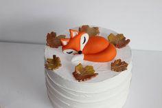 Goat Cheese Cake with Hazelnut, Easy and Cheap - Clean Eating Snacks Fondant, Cake Icing, Cake Mold, Fox Cake, Ricotta Cake, Baby Shower Niño, Salty Cake, Cupcakes, Birthday Cake Decorating