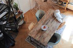 Table à manger rustique // © Hellø Blogzine // Home tour Chloé & You Dining Room, Dining Table, Boho Home, Duplex, Blog Deco, Sweet Home, Backyard, Chloe, Architecture