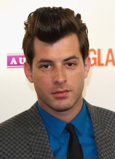 Mark Ronson Pictures - Glamour Women of the Year Awards 2009 - Outside Arrivals - Zimbio Mark Ronson, Special Guest, Harry Styles, Hot Guys, The Outsiders, Handsome, Glamour, Long Hair Styles, Celebrities