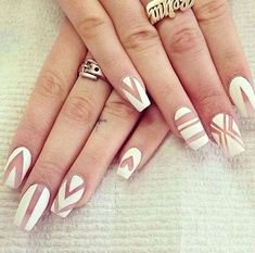 Stunning Striped Nails Art Ideas for Prom ❀ - Diaror Diary - Page 23 ♥ 𝕴𝖋 𝖀 𝕷𝖎𝖐𝖊, 𝕱𝖔𝖑𝖑𝖔𝖜 𝖀𝖘!♥ ♡*♥ ♥ ♥ ♥ ♥ ♥ ♥ ♥ ♥ ♥ ♥ ღ♥Hope you like this collection about striped nails! ღ♡*♥ 𝖘𝖙𝖚𝖓𝖓𝖎𝖓𝖌 𝖘𝖙𝖗𝖎𝖕𝖊𝖉 𝖓𝖆𝖎𝖑𝖘 𝖉𝖊𝖘𝖎𝖌𝖓 ♡*♥ ღ Gorgeous Nails, Pretty Nails, Nice Nails, Classy Nails, Fancy Nails, Perfect Nails, Nail Art Blanc, Negative Space Nails, White Coffin Nails