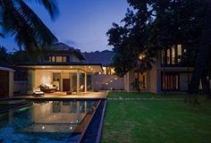 Villa Ribander by Raya Shankhwalker Architects - Goa, India.