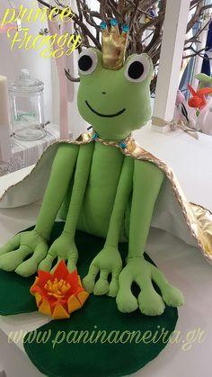 Handmade prince froggy with a gold cape! He need  just one kiss!!! #handmade #fabric #prince #froggy