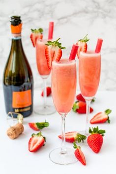 Kick off brunch with this Strawberry Rhubarb Bellinis recipe!