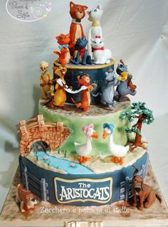 the aristocats disney cakes, my favourite film i am in love with this cake.. So want it for my birthday!!<3