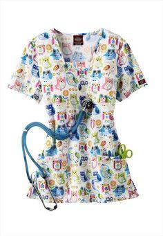 """We love owls! Check out this """"Hoot-ers"""" print scrub top. Cute Nursing Scrubs, Vet Scrubs, Medical Scrubs, Cute Fashion, Fashion Beauty, We Wear, How To Wear, Scrub Tops, Feminine Fashion"""