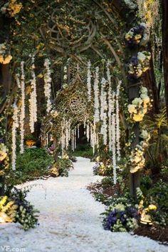 Such a stunning wedding walkway idea, beautifully illuminated by Got Light. See more of their phenomenal work here. http://www.weddingchicks.com/vendor-guide/got-light/