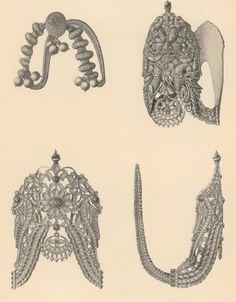 Vanki Designs Jewellery, Antique Jewellery Designs, Gold Earrings Designs, Gold Jewellery Design, Antique Jewelry, Mom Jewelry, Royal Jewelry, India Jewelry, Temple Jewellery