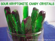 How to Make Sour Kryptonite Candy Crystals These Sour Kryptonite Candy Crystals are fun for a superhero or superman themed party. Superhero Birthday Party, Superman Party, Superhero Superman, Superman Birthday, 11th Birthday, Candy Crystals, Party Fiesta, Sour Candy, Homemade Candies