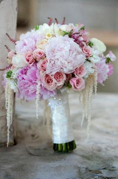 bouquet with hanging amaranthus - like color of amaranthus but not other flowers