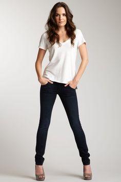Jeans, plaid shirt & sneakers #Streetstyle | wish list | Pinterest ...