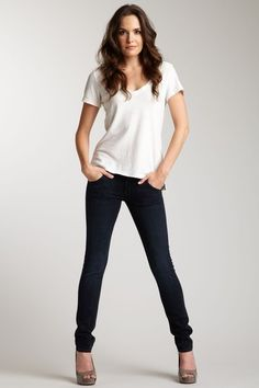 how to wear a shirt with jeans female