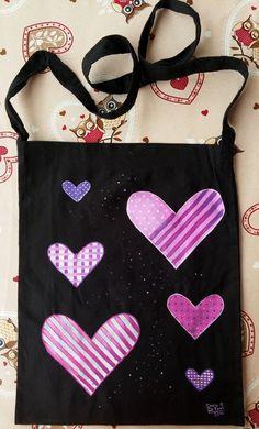 Fucsia hearts #paintonfabric #handmade #shoulderbag #bag #fucsia #violet #black #love #heart #tissue #fantasia #newproject #artoftheday #lovefordrawing #colorful  #dariodevito #echoesofcolors