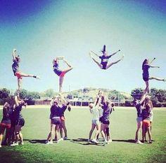 Cheerleading LOVE.. this is pretty cool. not gonna lie. #bucketlist