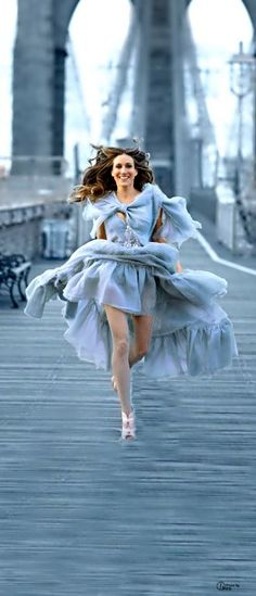 Luxe Be A Lady- Sarah Jessica Parker for Chanel - ~LadyLuxury~ Sarah Jessica Parker, Trend Fashion, Blue Fashion, Brooklyn Bridge, Azul Niagara, Carrie Bradshaw Style, Bleu Pale, Rick Ross, City Style