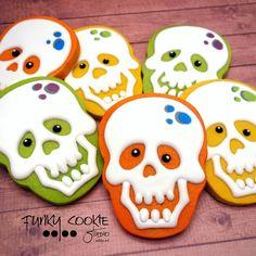 Skelly! ... #funkycookiestudio #jillfcs #doorcounty #sisterbay #edibleart #cookieart #countrywalkshops #cookiesofinstagram #halloweencookies #skeletoncookies