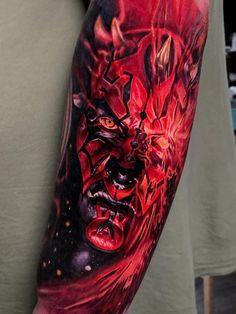 Darth maul Done by: Who's your favourite Star Wars character? Tattoo Film, War Tattoo, Tattoo Son, Arm Band Tattoo, Sith Tattoo, Movie Tattoos, Tattoos Skull, Life Tattoos, Hand Tattoos