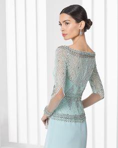 Madrina: vestido de gasa y pedreria.Rosa Clará