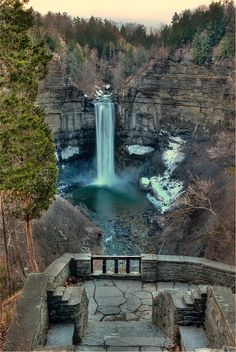 'The Big T' (Taughannock Falls) with the lower viewing platform - Ithaca, NY;  photo by VermontDreams, via Flickr