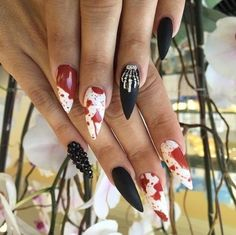 Are you looking for easy Halloween nail art designs for October for Halloween party? See our collection full of easy Halloween nail art designs ideas and get inspired! Halloween Nail Designs, Halloween Nail Art, Cute Nail Designs, Halloween Halloween, Hot Nails, Hair And Nails, Blood Nails, Witch Nails, Gothic Nails