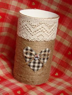 Nifty Crafts, Tin Can Crafts, Diy And Crafts, Pot A Crayon, Recycle Cans, Altered Tins, Rustic Wall Decor, Glass Containers, Valentine Decorations