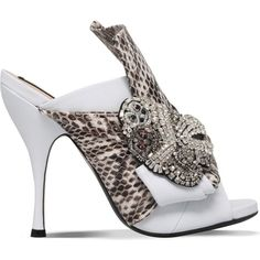 NO 21 Bow snakeskin and leather heeled mule sandals (€845) ❤ liked on Polyvore featuring shoes, sandals, slip-on shoes, slip on mules, high heel sandals, open toe sandals and open-toe mules