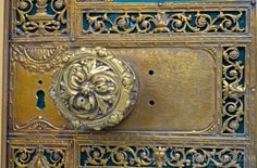 Door Knob in the French Quarter, New Orleans - Louisiana  Photo by Miguel Solorzano