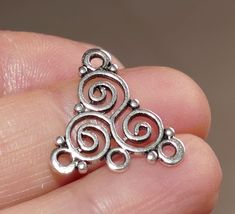 10pcs-silver small charm,2 sided silver tone spiral charm,bohemian earring charm