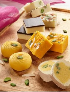 New Year Eve 2019 Sweets and Mithai's Gift Indian Dessert Recipes, Indian Sweets, Sweets Recipes, Cooking Recipes, Indian Snacks, Veg Recipes, Indian Recipes, Desert Recipes, Snack Recipes