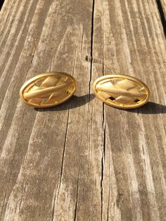 Vintage Gold Metal Woven Oval Earrings by LittleMisVintage on Etsy