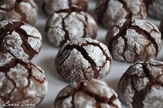Dragilor, daca vreti o reteta usoara si rapida de fursecuri, preparati acesti Biscuiti Truffle!!! Au un gust minunat si intens de ciocolata si ii puteti savura alaturi de un cappuccino sau langa o cacao cu lapte (cei mici ) Ingrediente pentru cca. 30-35 de bucati: – 100 g ciocolata (minim 50% cacao) – 55 g unt – …